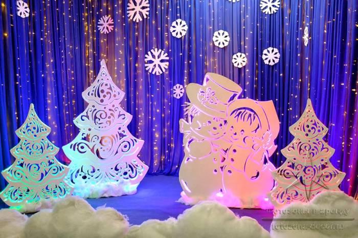 """Ажурная фигура Снеговики - """"Сладкая парочка"""", снежинки, сугробы, ели (в аренду)"""