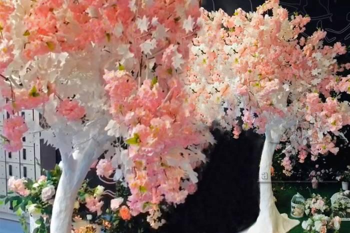 Цветущее дерево (веточки Гинкго и Сакуры)
